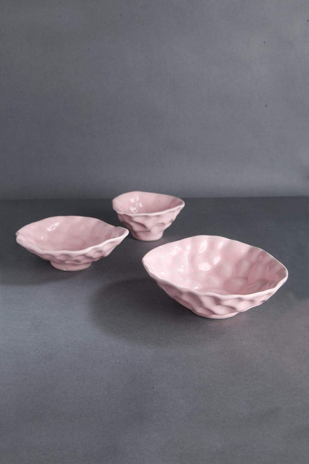 Ceramic Bowl Set In Pink Color And Handcrafted Design