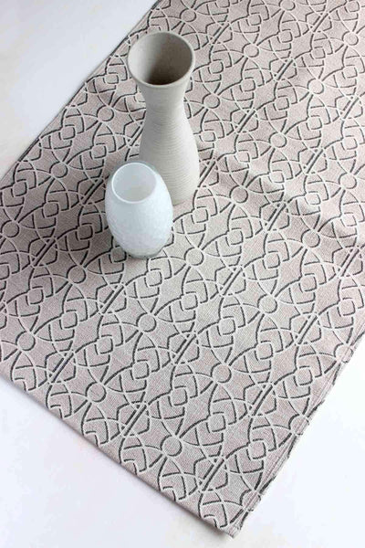 100% Cotton Printed Rug In Beige Shade And Screen Printed Geometric Design