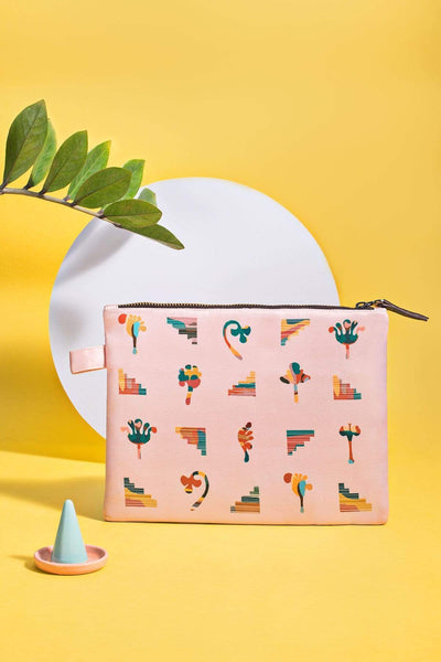 Cotton Satin Make Up Pouch In Pink Shade And Digitally Printed Style
