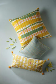 Cotton Sheeting Cushion Cover In Yellow Color And Screen Printed Style