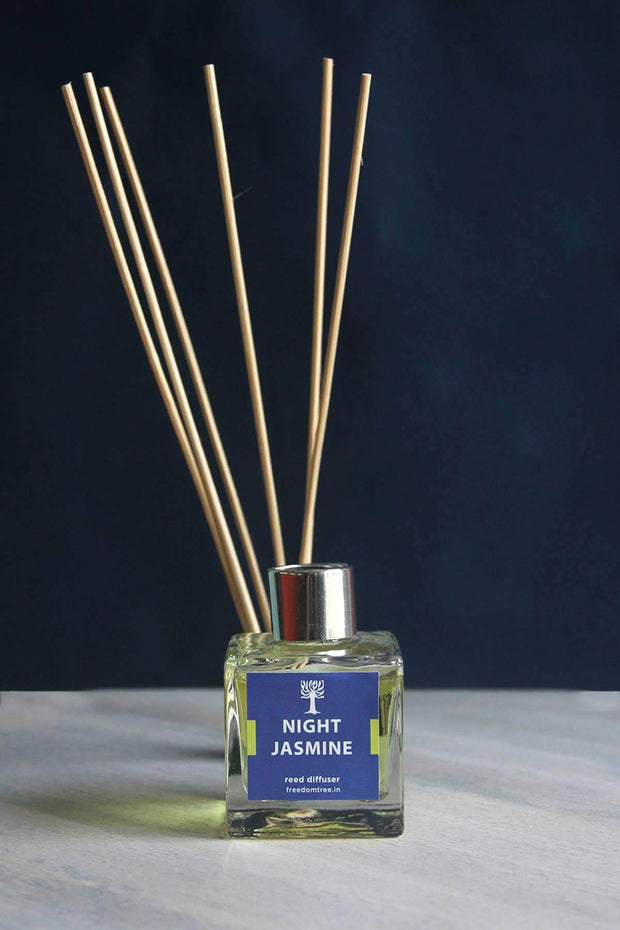 A 80 Ml Scented Oil In Glass Jar Oil Diffusers And Artisanal Scented Fragrance Design