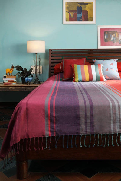 A Queen Woven Cotton Bedcover In Multi-Colored Color And Handcrafted Woven Style
