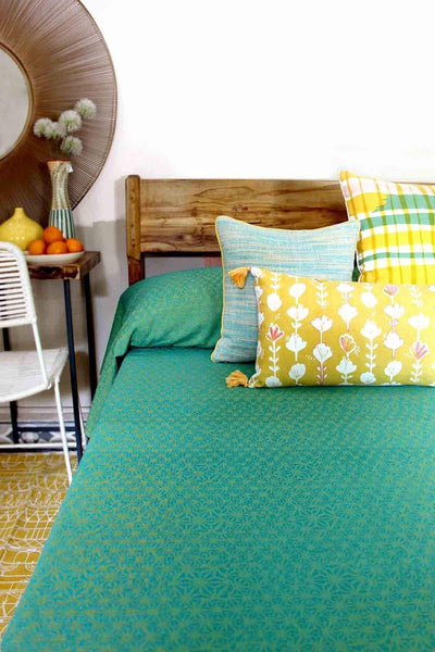 A Single Cotton Sheeting Bedcover In Blue/Lime Color And Screen Printed Geometric Abstract Style