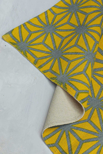 Buy Kiwach Printed Rug (Yellow/Grey) Online | Freedomtree.in