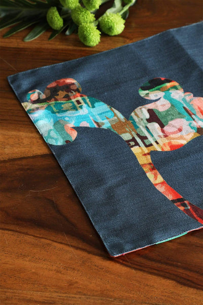 A Set Of 4 Polysilk Table Mat In Teal Color