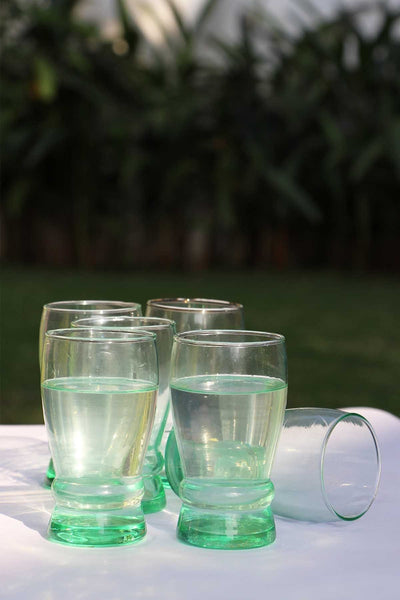 A Set Of 6 Glass Drinking Glasses In Radium Color