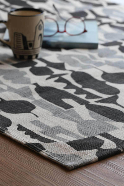 100% Cotton Printed Rug In Black/Grey Color And Screen Printed Abstract Style