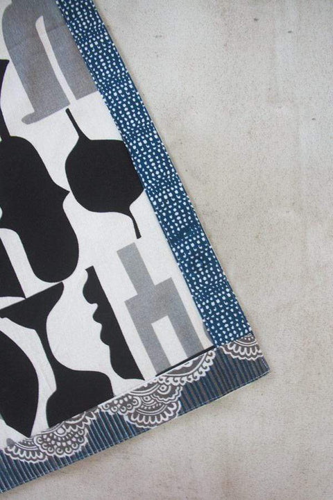 A Single Cotton Sheeting Bedcover In Grey / Black Shade And Screen Printed Abstract Design