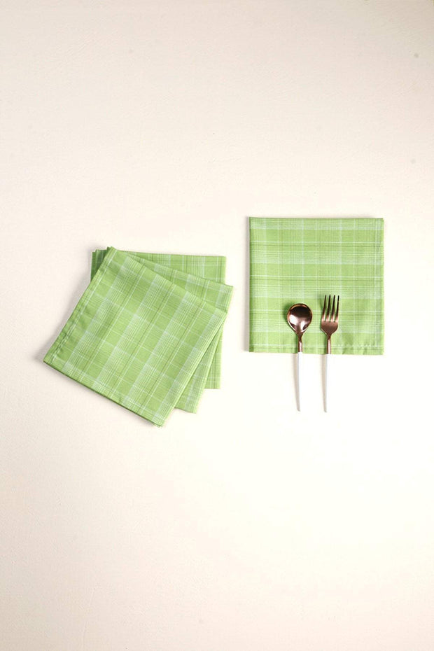 A Set Of 4 Woven Cotton Dinner Napkin In Green Color
