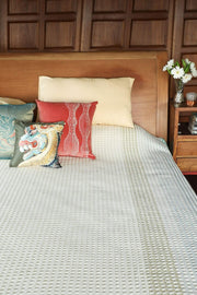 A King Woven Cotton Bedcover In Blue/White Color And Handcrafted Woven Design