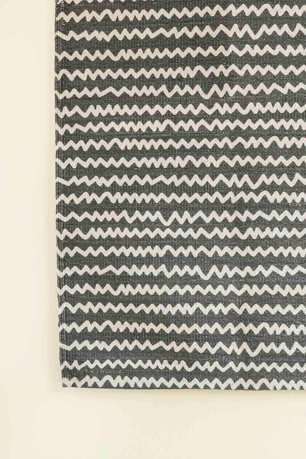 100% Cotton Printed Rug In Charcoal Shade And Floral Screen Printed Design