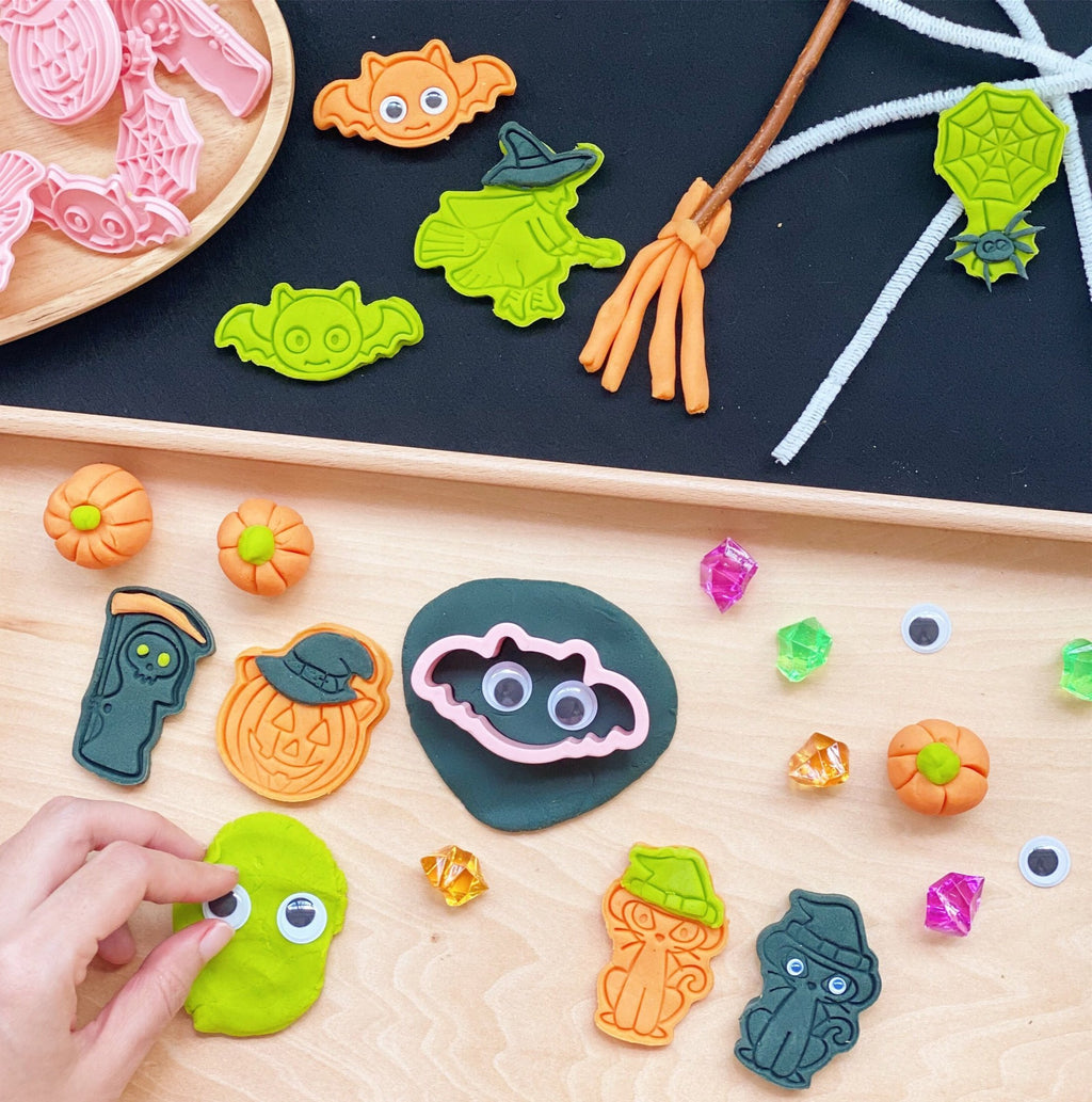 Boo Bash Party Cutters and Play Dough Set