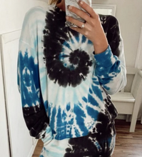Load image into Gallery viewer, Aquamarine Hurricane Pullover