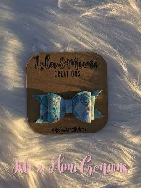 Baby Girl Bow - Little Girl Bow - Multicolor Marble Hairbow - Various Blues - Isla&Mimi Creations