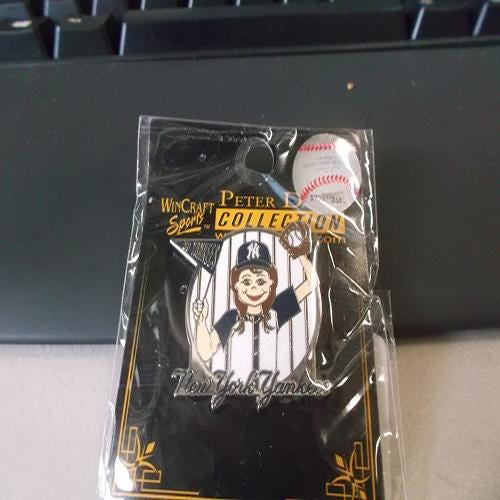New York Yankees Girl Fan Pin