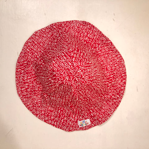 Baby Sun hat - Red/white Numbers