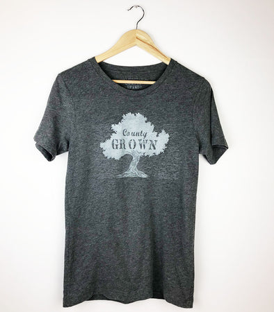 county grown tree design on grey heather t-shirt men's unisex prince edward county pec ontario canada