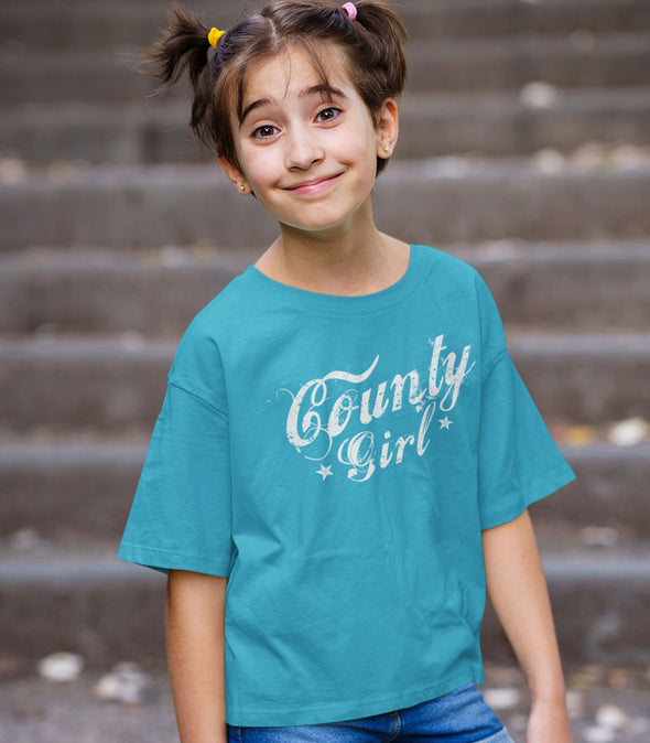 Girl wearing county girl turquoise t-shirt prince edward county pec ontario canada