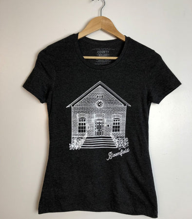 BLOOMFIELD TOWN HALL PEC • Prince Edward County • Women's Modern PEC T-shirt
