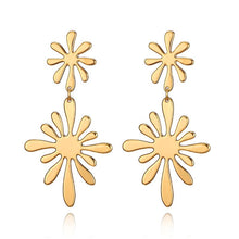 Load image into Gallery viewer, Claudia Flower Earrings