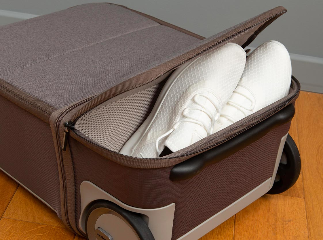 luggage with shoe compartment