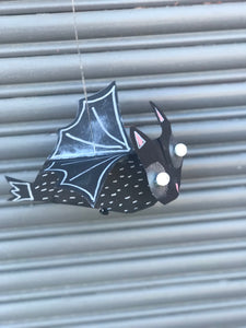Thursday 3 October: 9am-10.15am.  Age 5-6yrs SPOOKY BATS - rawart.com.au