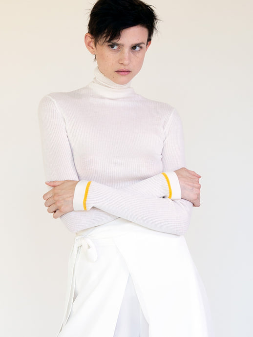 CASHMERE FINE RIB TURTLENECK WITH CONTRAST STRIPE