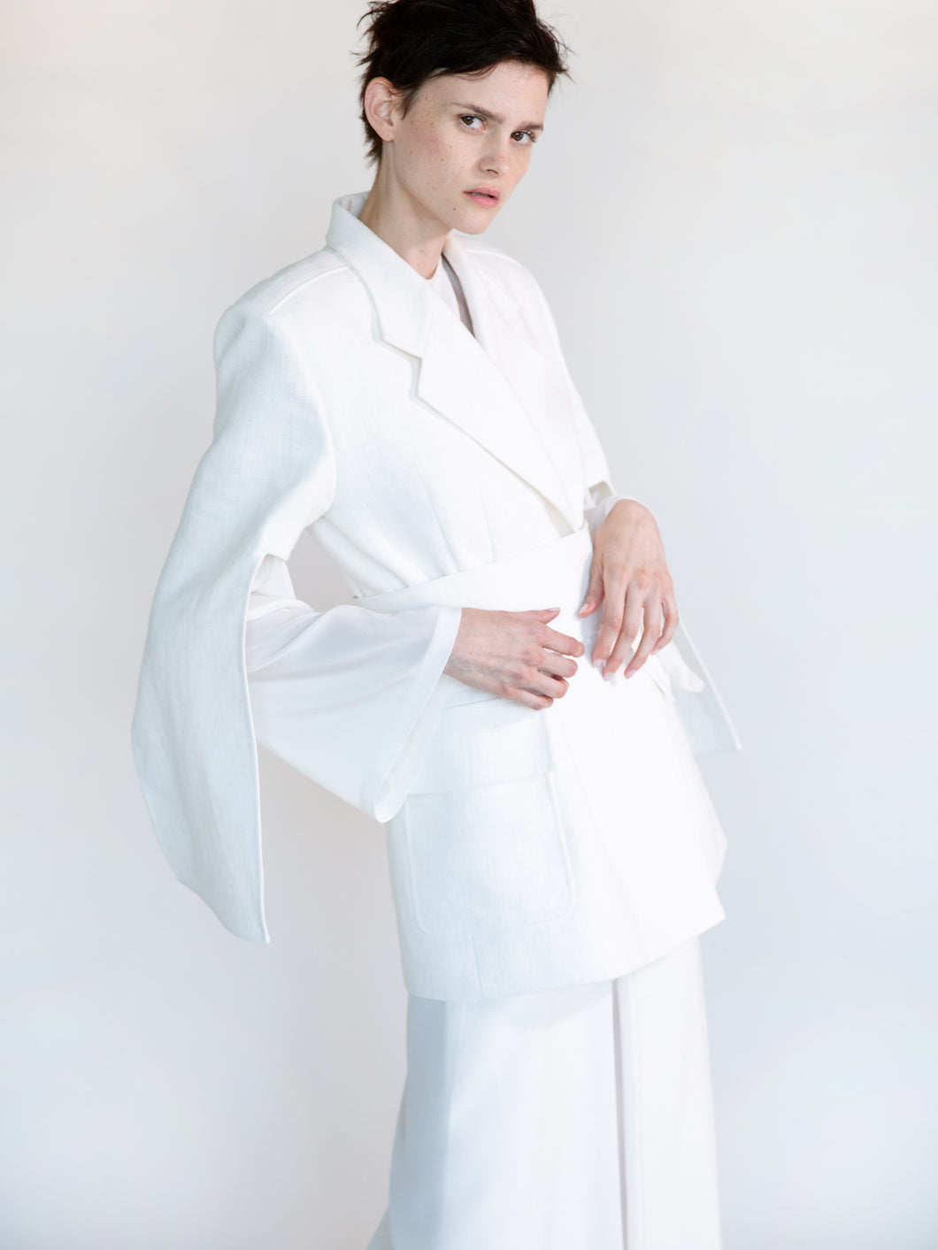 DOUBLE FACED LINEN TAILORED JACKET WITH CUT-OUT SLEEVES
