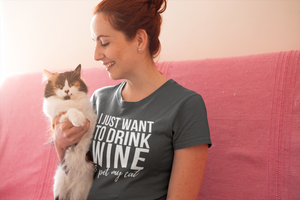 I Just Want to Drink Wine and Pet My Cat Short-Sleeve Unisex Drinking T-Shirt