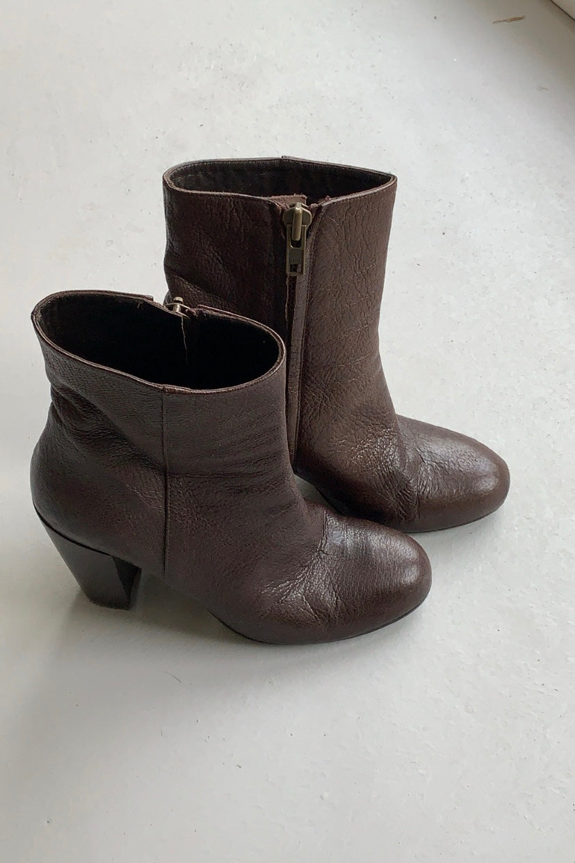 Scanlan Theodore Chocloate Brown Ankle Boots