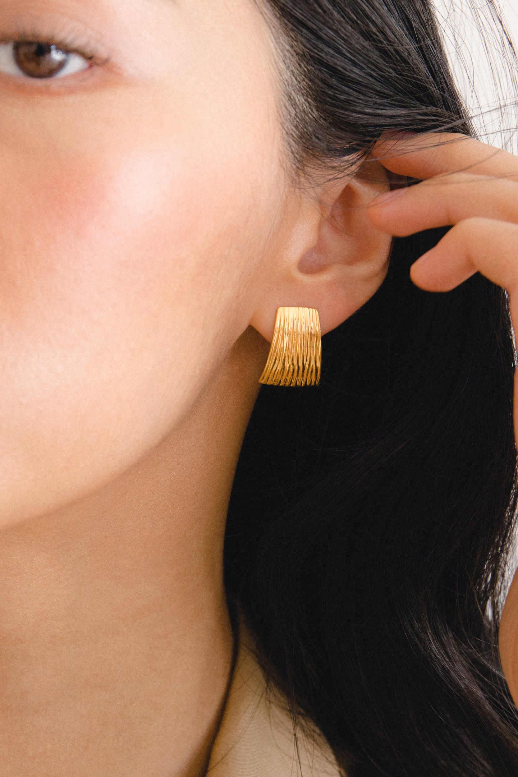 Flash Jewellery Curve Earrings - Gold