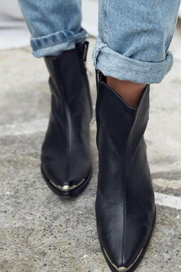 The Bali Tailor - The Luci Boot, Black - Worn For Good