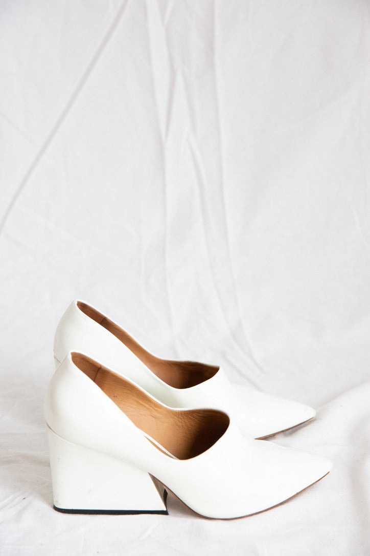 Acne Studios Iiona patent-leather pumps
