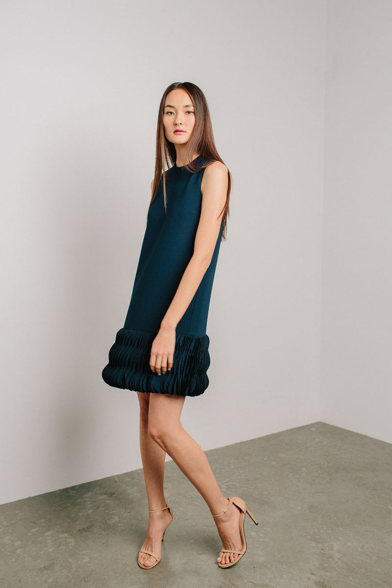 Sleeveless Jewel Neck Arak Shift with Wave Hem