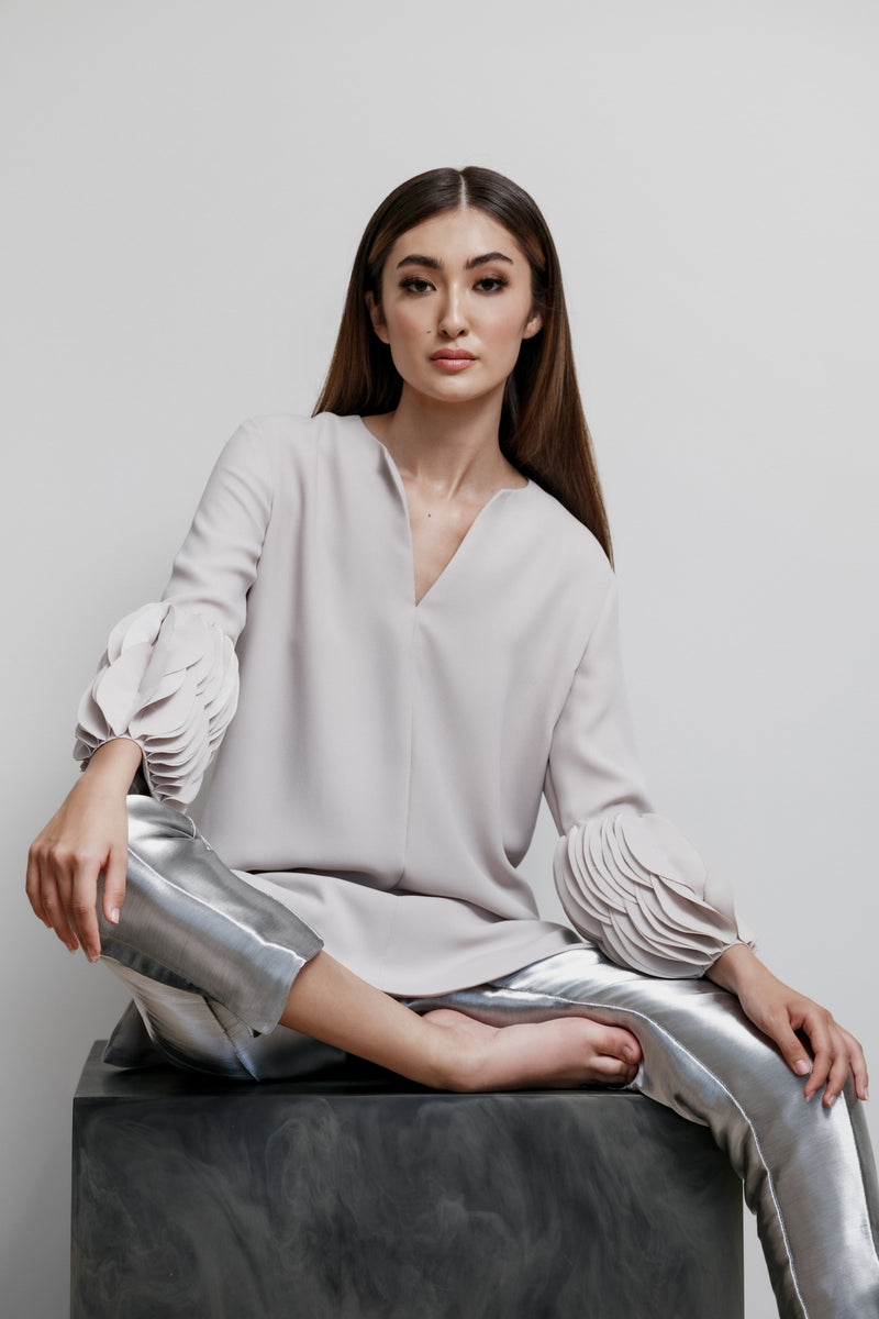 Split Jewel Neck Lois Top with Overlappping Oval Disc Cuff