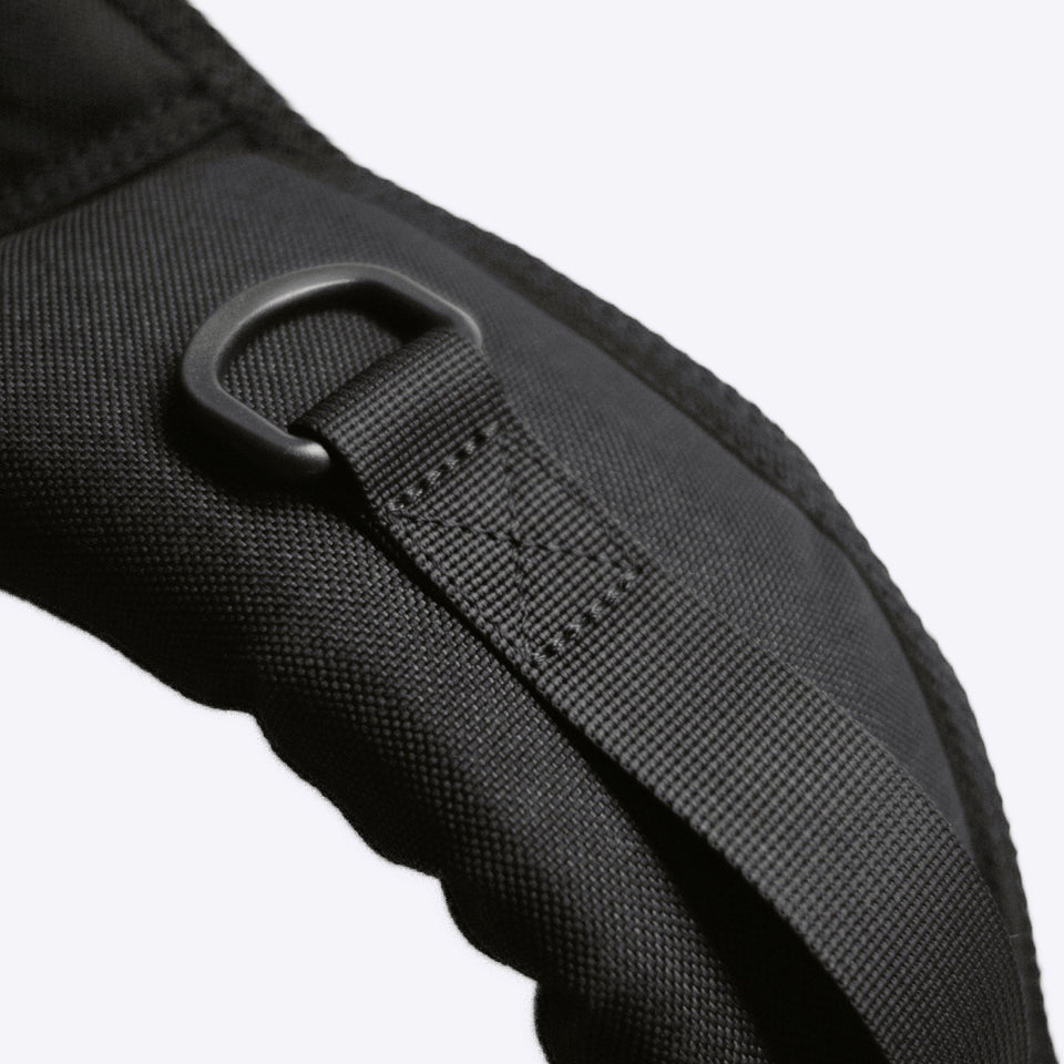 Thick padding shoulder straps for maximum comfortability