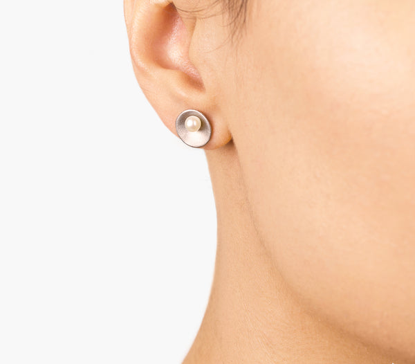 Minimalist Silver Earrings with Freshwater Pearl - Pargo Jewelry