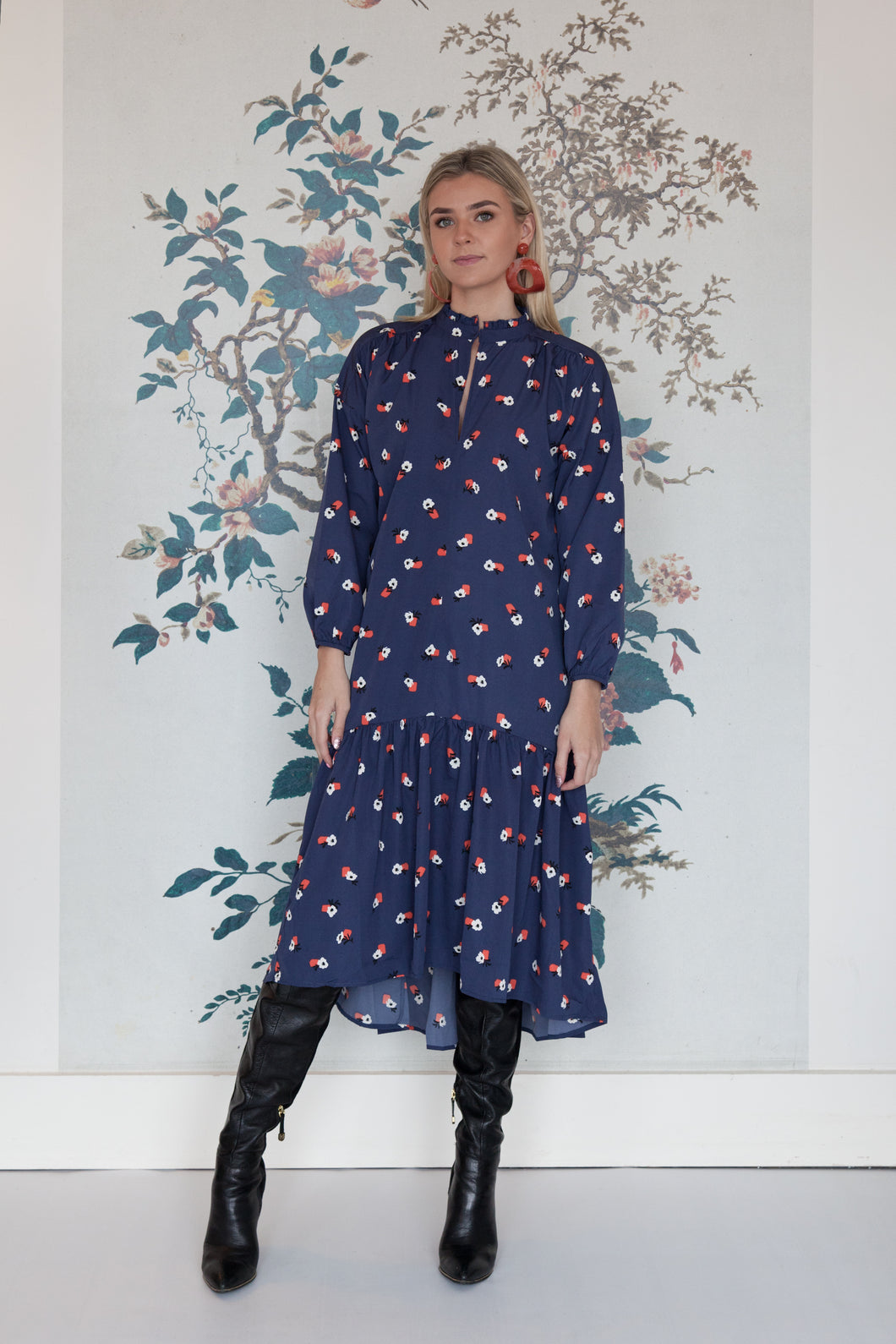 Dip Hem Long Sleeve Flower Pot Print Dress
