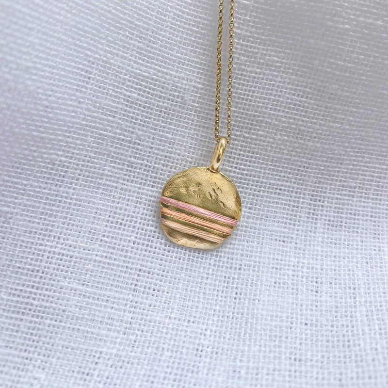 Limited Edition Full-Circle Necklace in Shell