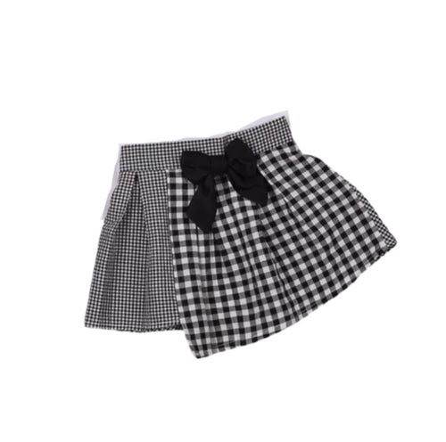 Girls B&W Plaid Skirt.