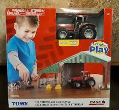 Farm Building Set with Case IH Magnum 305 Tractor set