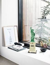 Load image into Gallery viewer, Lego Architecture Statue of Liberty 21042