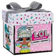 Load image into Gallery viewer, LOL Surprise Present Surprise Doll with 8 Surprise