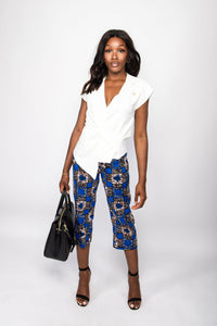 NIO STYLES │Floral print straight-cut, cropped length trousers with side pockets... regular fit. Match this number with any blouse or top for a stylish casual or office look... Great for the spring or summer.
