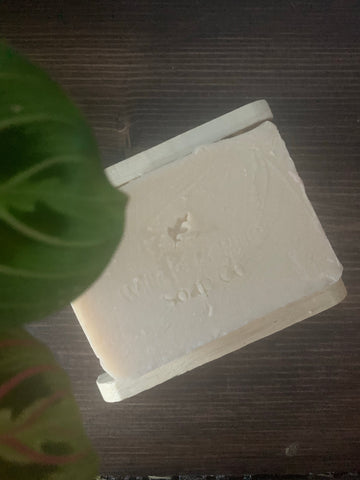 Moisturising soap bar