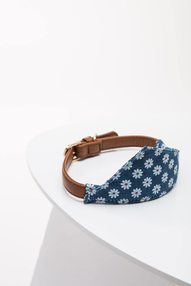 FLOUFFY FEEL floral bandana style dog collar in blue