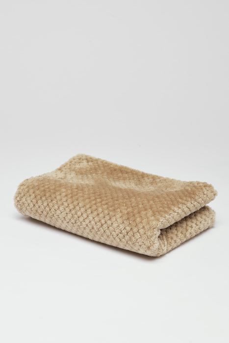 FLOUFFY FEEL soft fleece dog blanket in sand