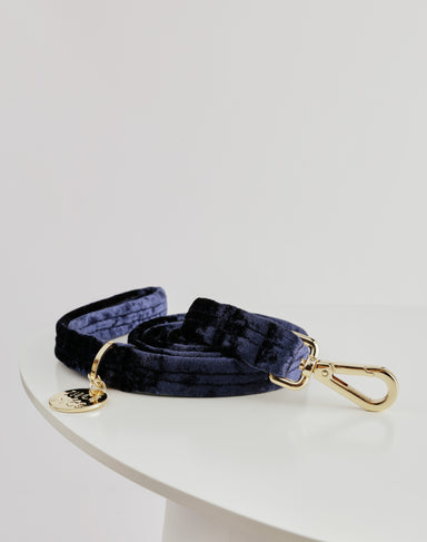 NICE DIGS Velvet dog leash in midnight blue