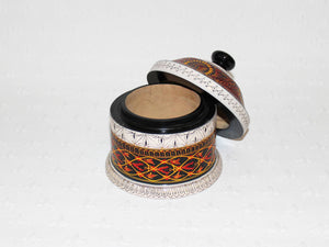 Hand-etched decorative lacquered wooden pot Serendip