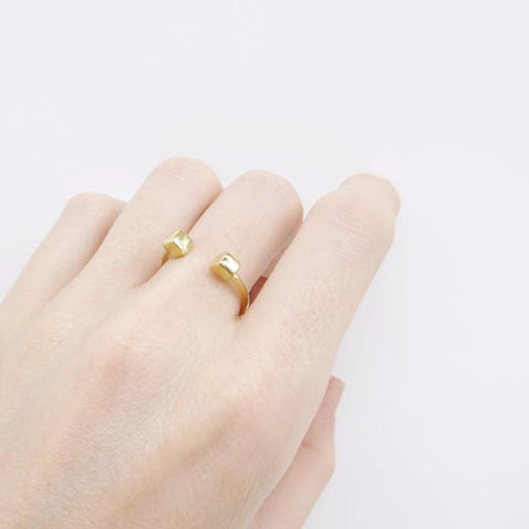 Cube Ring gold - Correy & Lyon jewellery